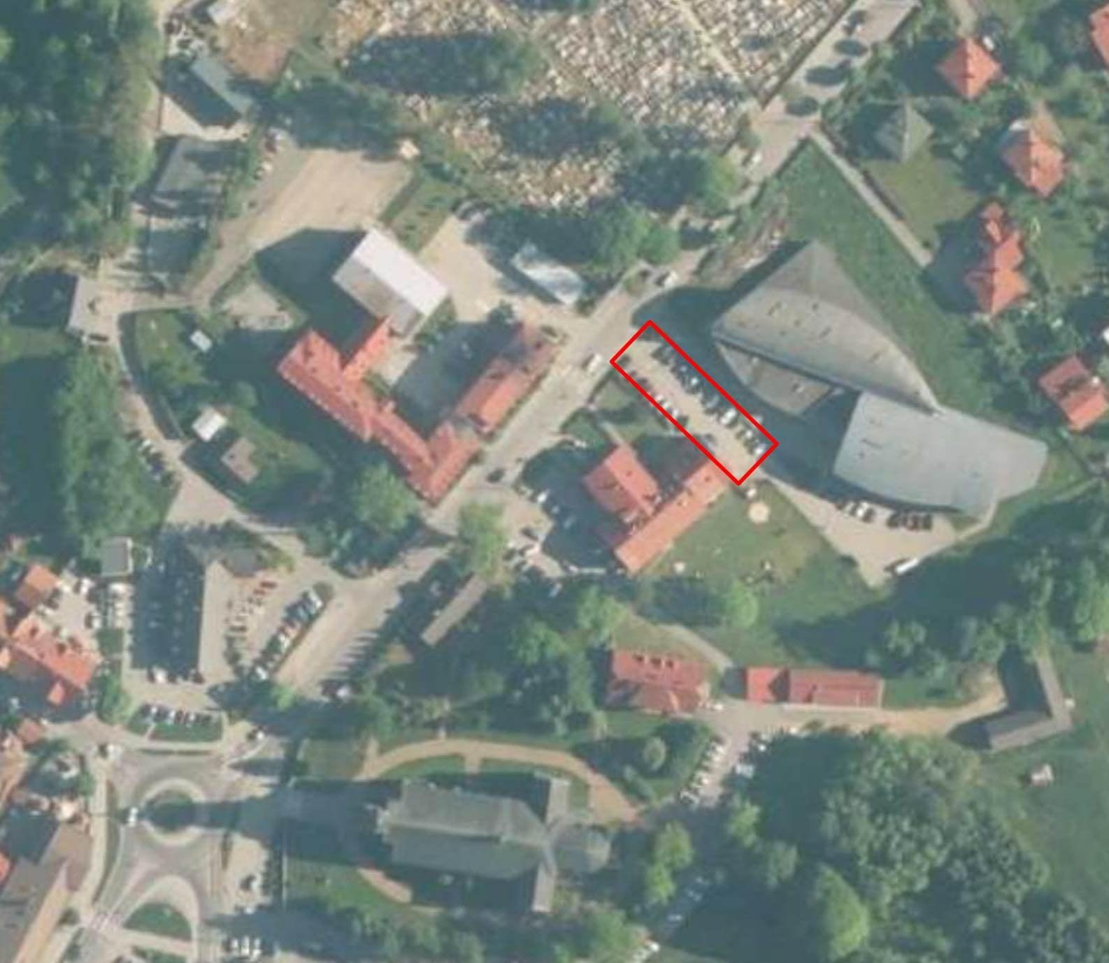 Wytyczony teren remontu parkingu przy Przedszkolu w Rajczy